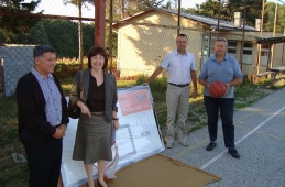 Donacija košarkaške opreme dobojskim školama